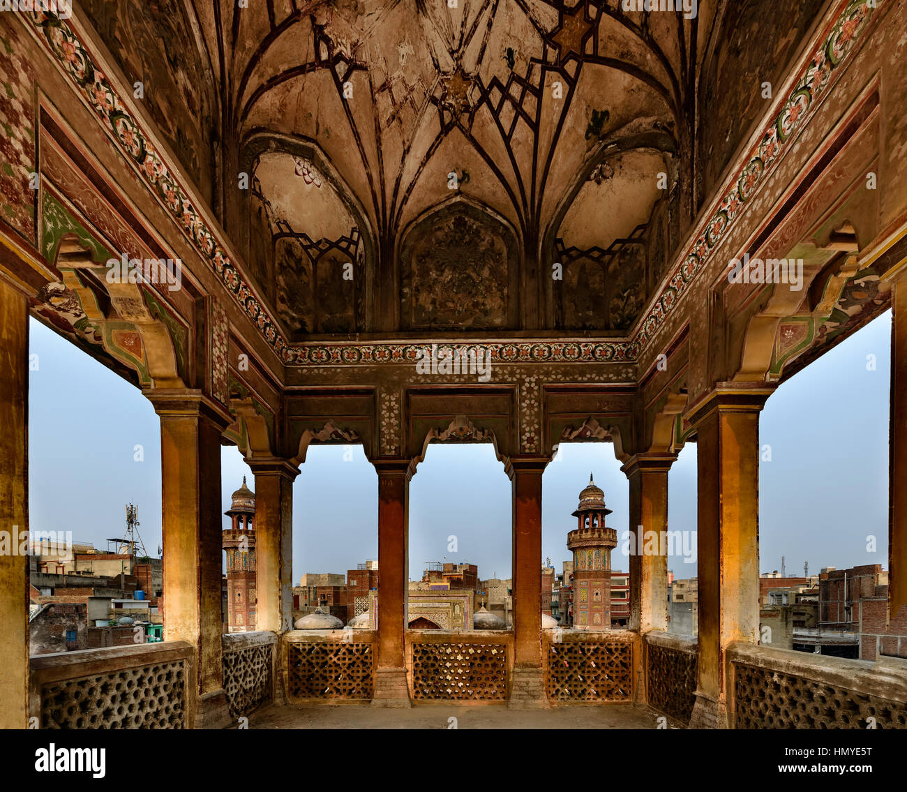mughal architecture combines persian turkish and indian styles