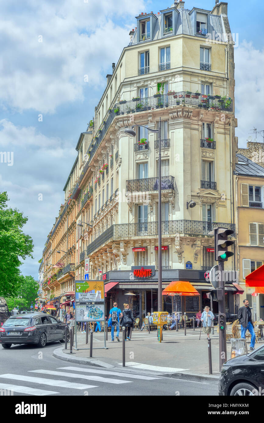 Paris France July 04 2016 City Views Of Paris Street