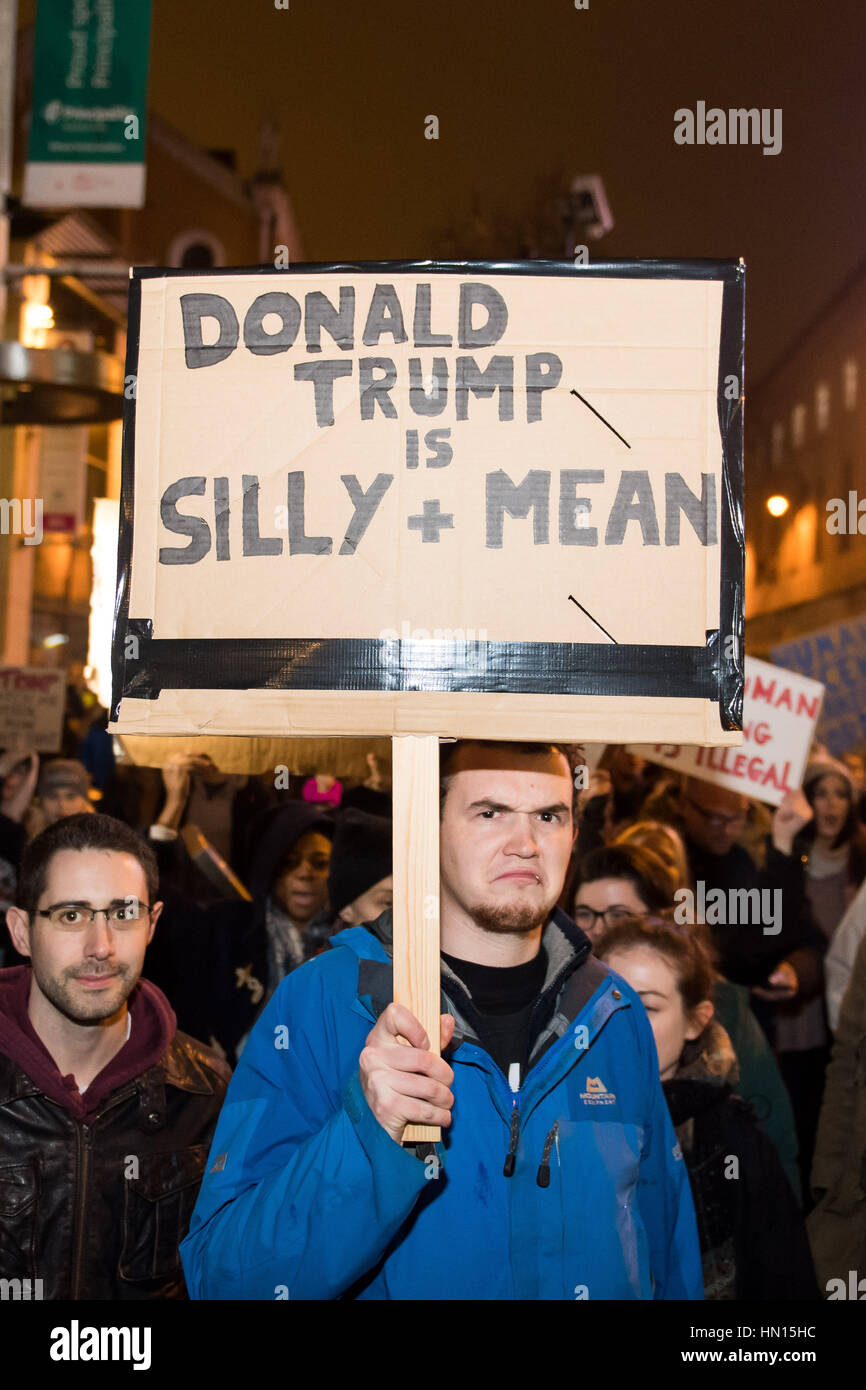 Cardiff protest against Trump's 'Muslim ban' - a man holds a sign that reads 'Donald Trump is silly - Stock Image