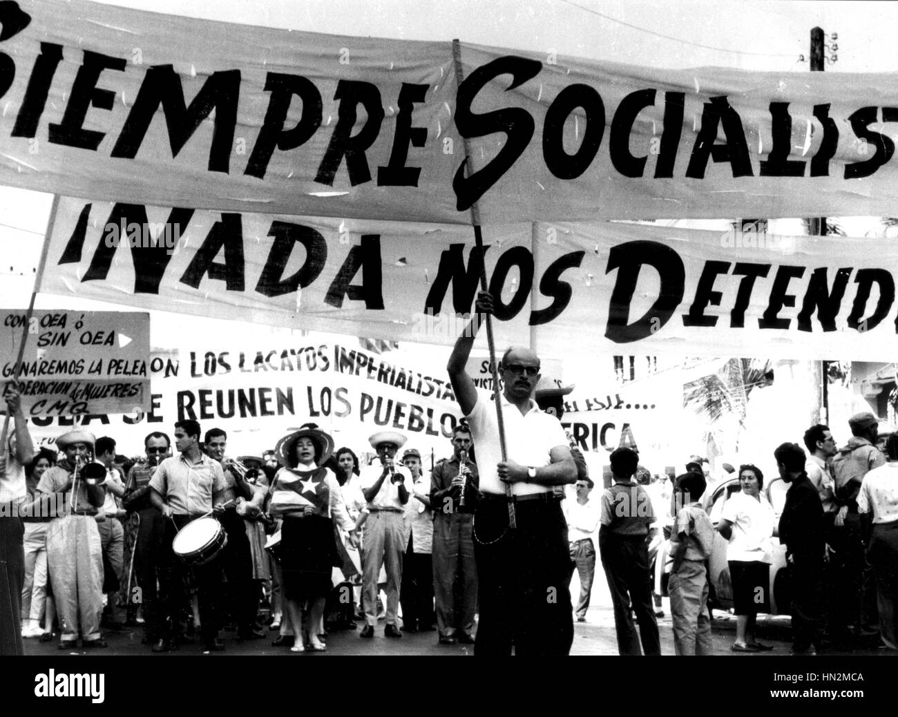 Anti-imperialist demonstration Years 1960-1970 Cuba Photograph Pierre Chaussat - Stock Image