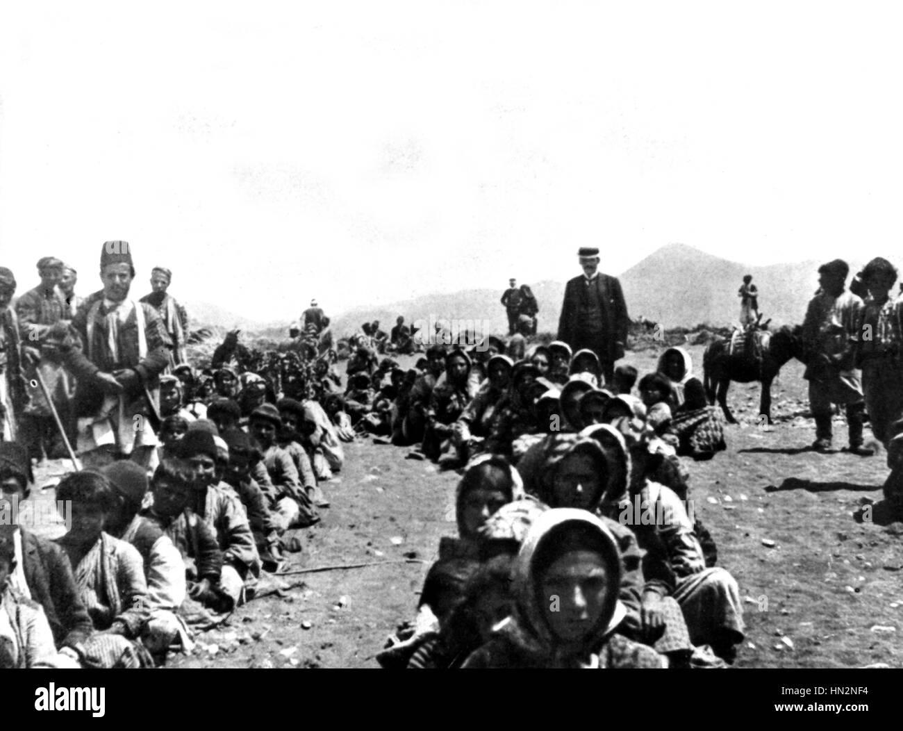 On the beach of Bazit, north of Latakieh, Armenian refugees waiting to embark. Turkey - Armenia  1909 - Stock Image