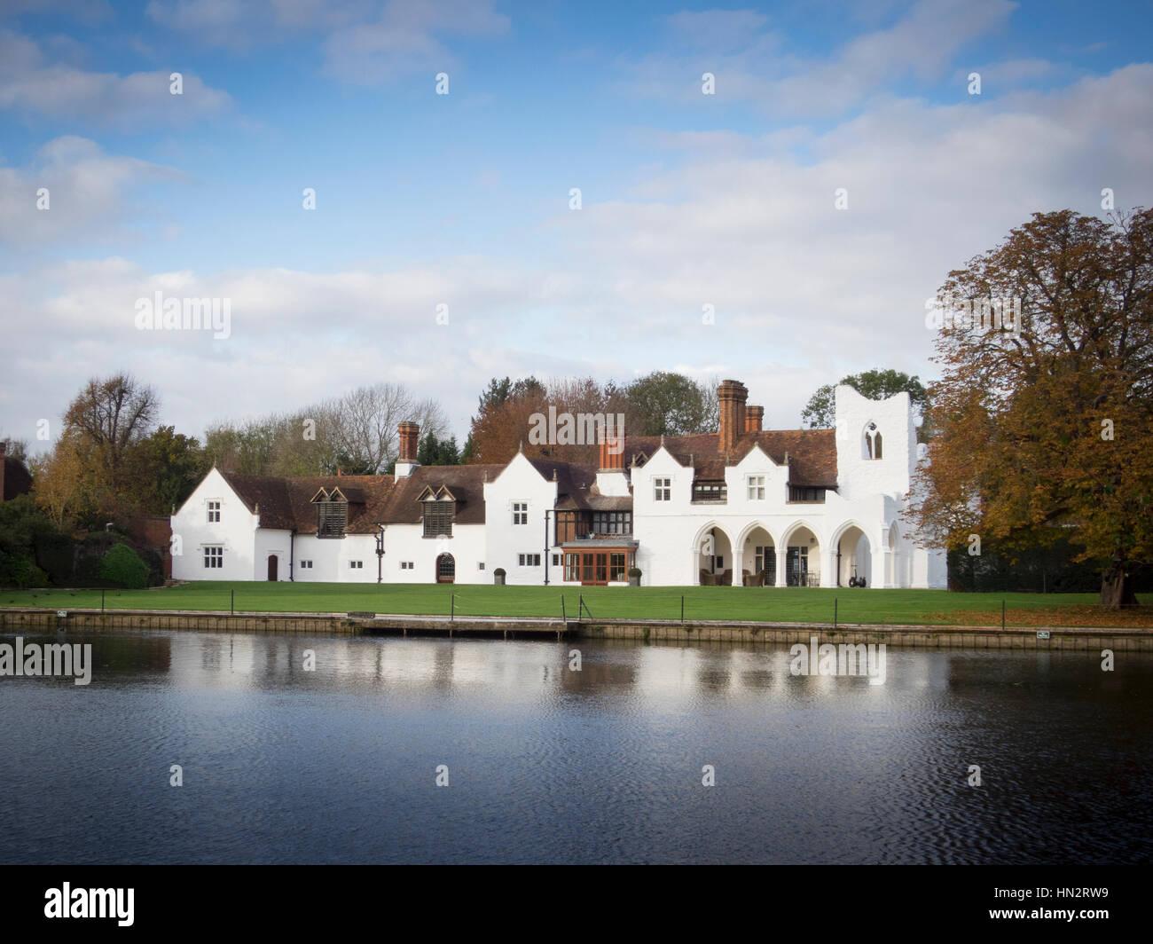 Medmenham Abbey in Buckinghamshire Stock Photo