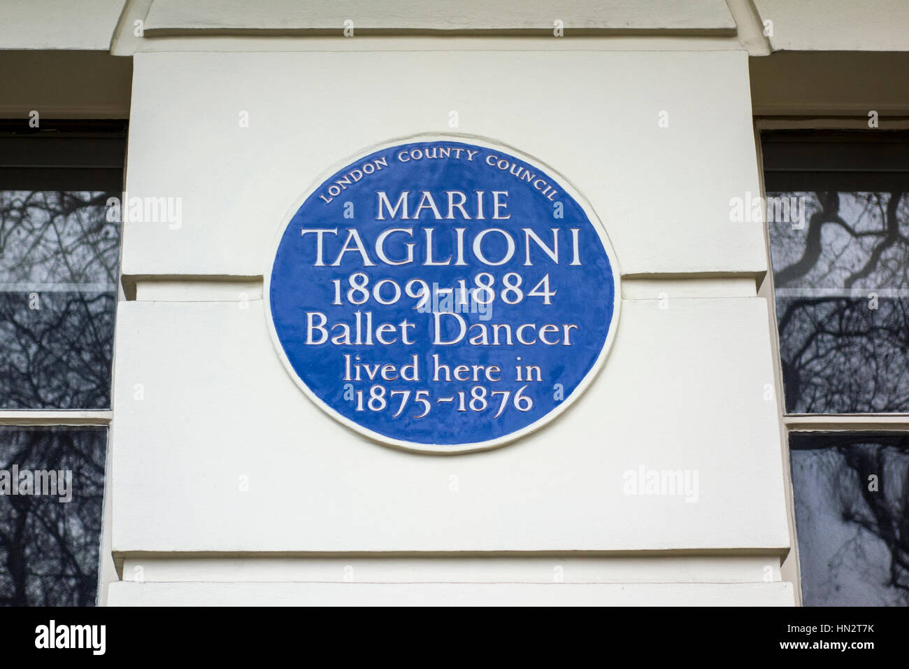 Blue plaque outside the former home of Marie Taglioni, 14 Connaught Square, Westminster, London, UK - Stock Image