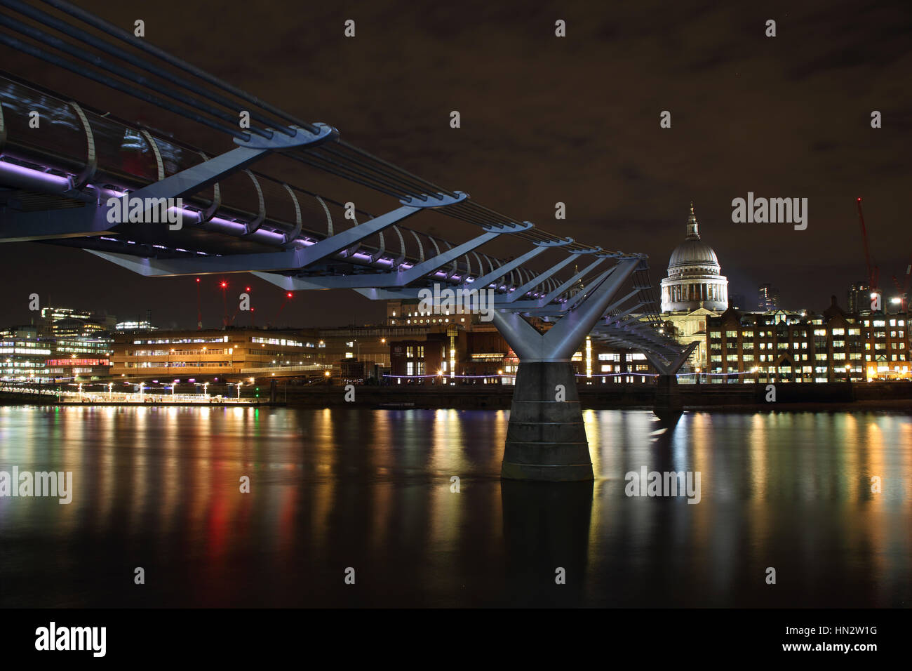 London Millennium Footbridge across the Thames between Tate modern and St Paul's Cathedral - Stock Image