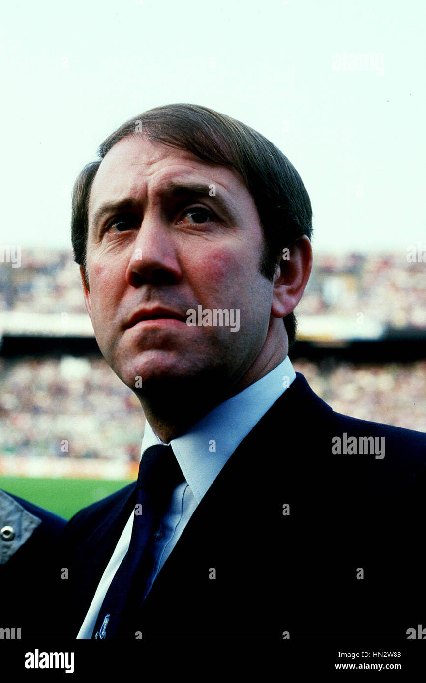 Howard kendall everton manager betting dundee united vs celtic betting expert boxing