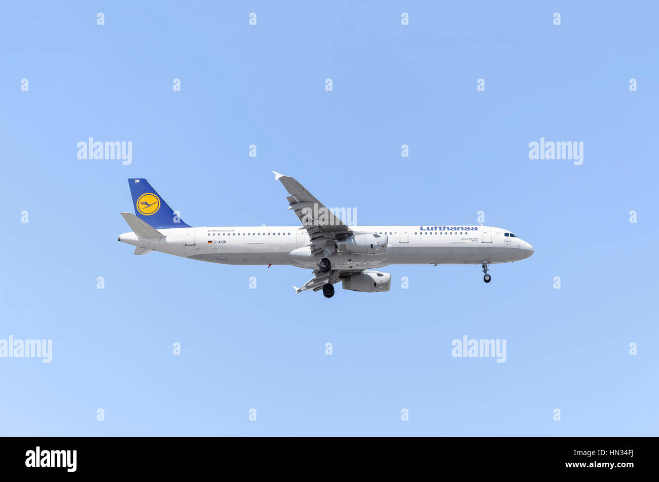 plane airbus a321 of lufthansa airline blue sky sunny day of rh alamy com Airbus A320 Airbus A330