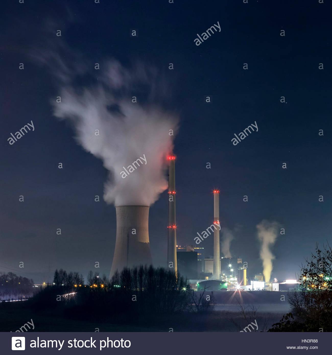 The coal-fired Ensdorf power station, Kraftwerk Ensdorf, in Saarland, Germany. Stock Photo