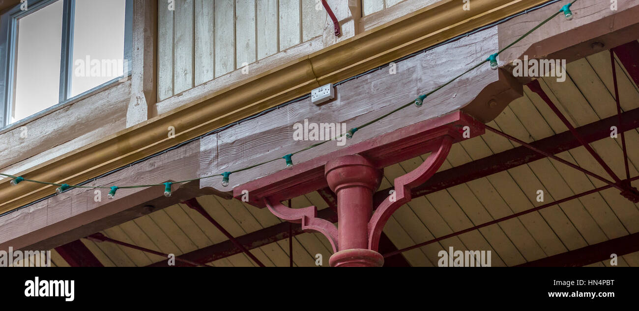 Wooden Support Beam in South Molton Country Pannier Market - Stock Image