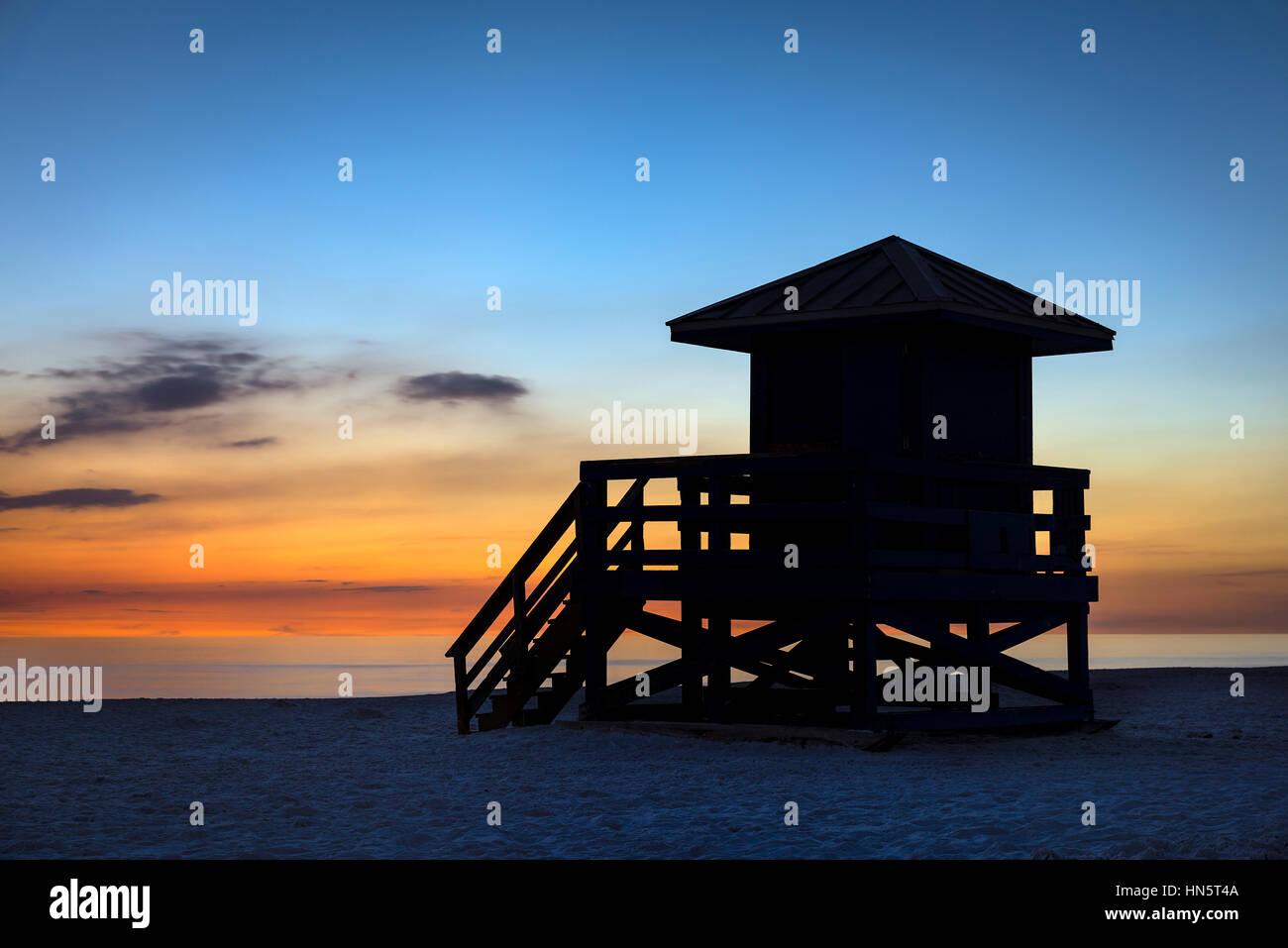 Lifeguard shack at sunset, Siesta Key Beach, Florida, USA. - Stock Image