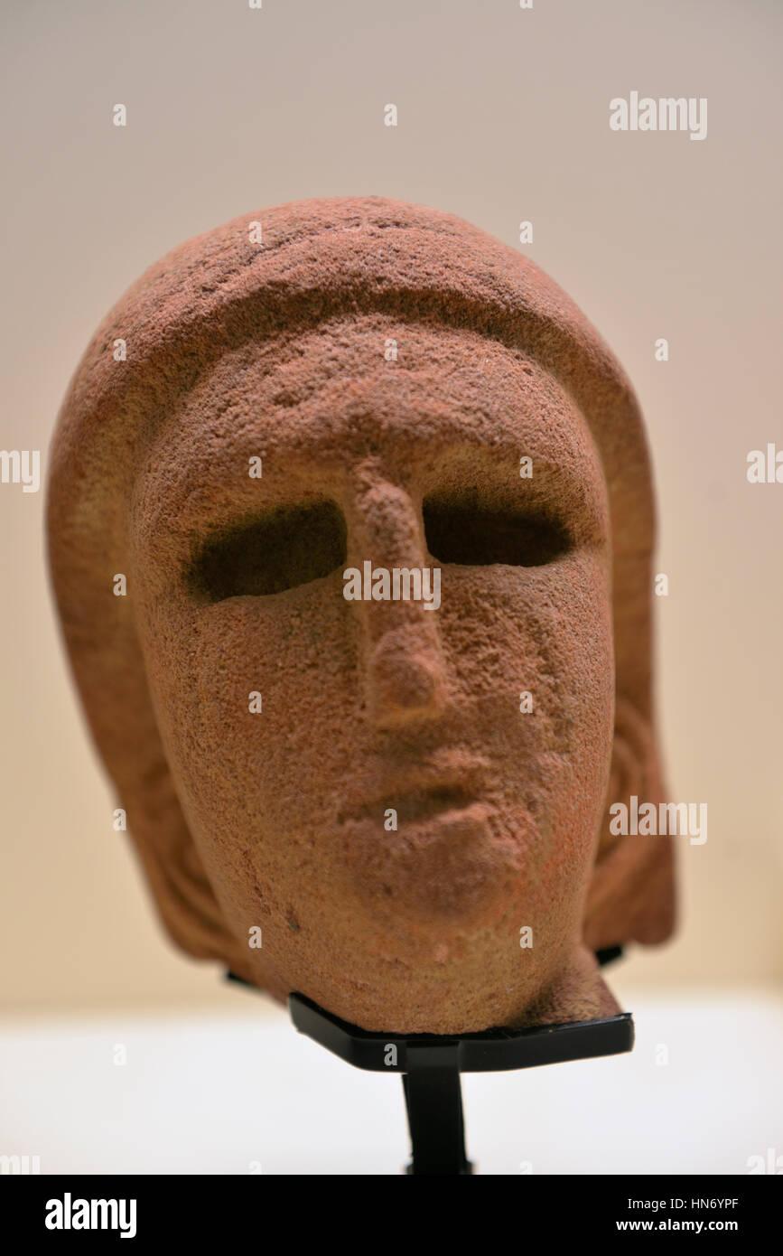 Female head. Statue. Al-'Ula. 3rd-4rd century BCE. Sandstone. National Museum, Riyadh. Saudi Arabia. - Stock Image