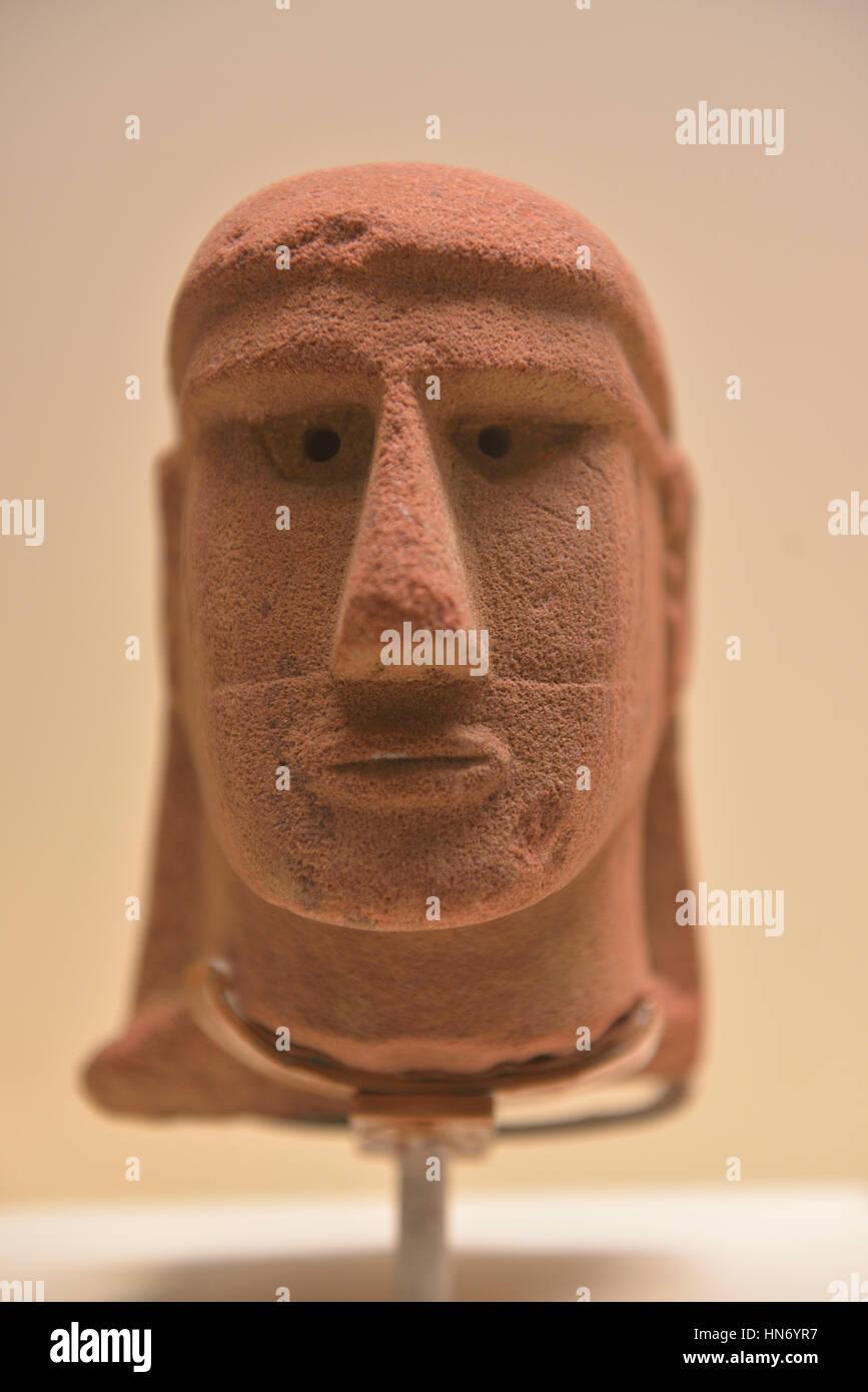 Statue head. Al-'Ula. 3rd-4rd century BCE. Sandstone. National Museum, Riyadh. Saudi Arabia. - Stock Image