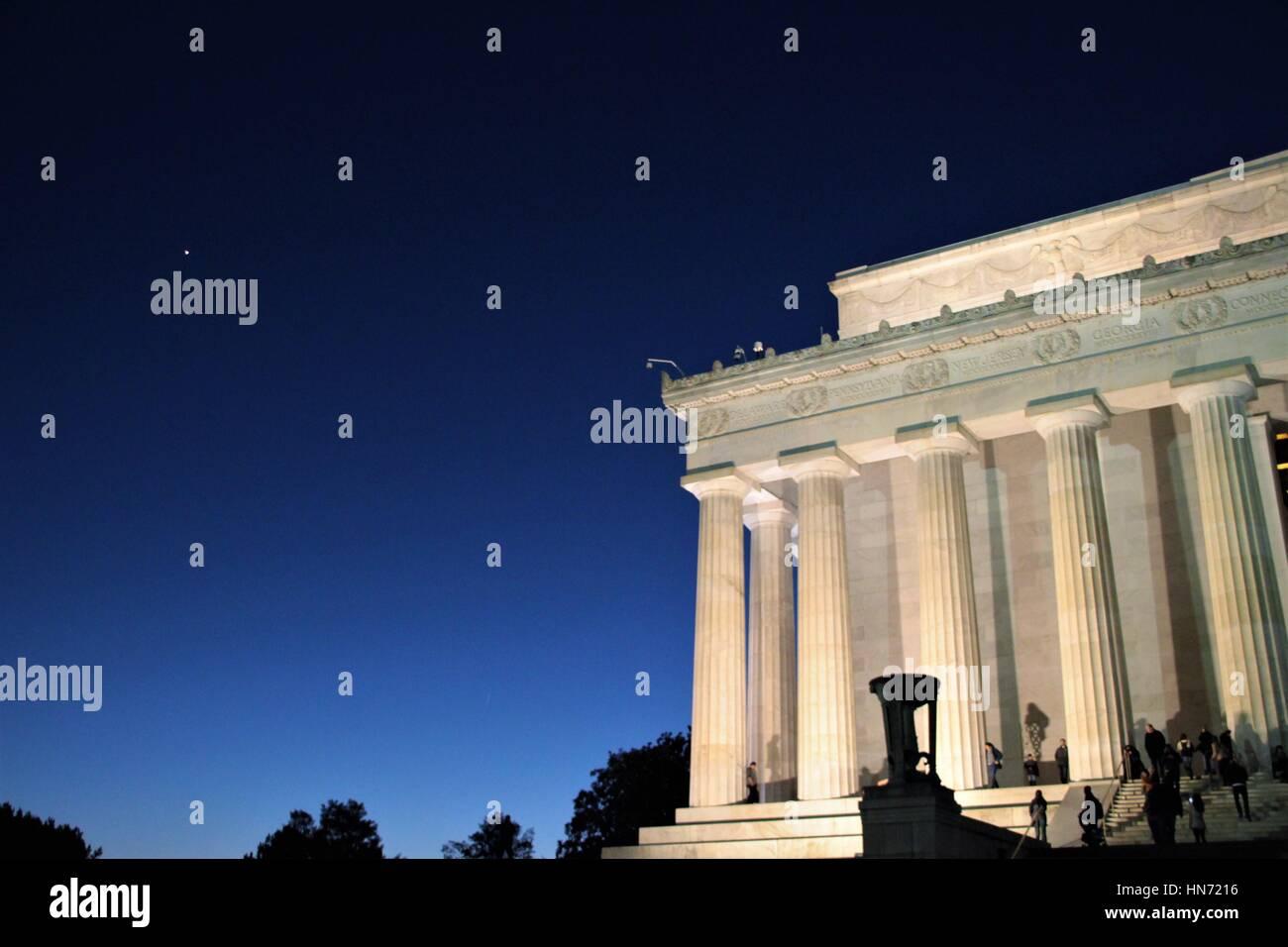 Lincoln Memorial at night with Venus rising above, Washington DC - Stock Image