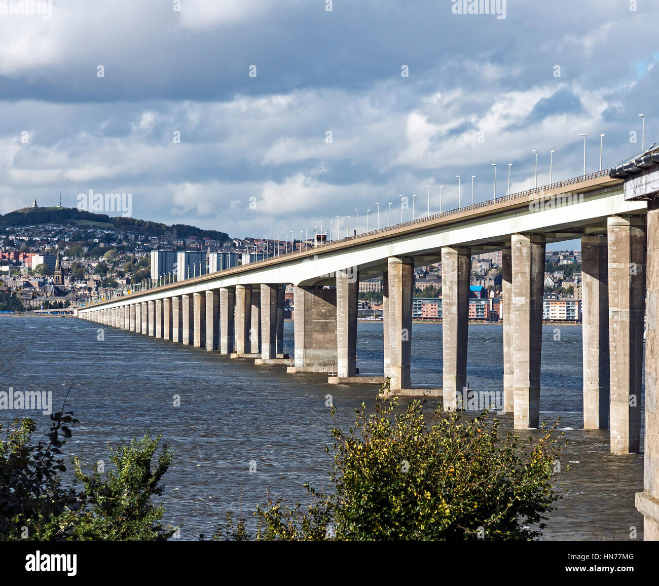 The Tay Road Bridge across the River Tay from Newport-on-Tay to Dundee in Scotland UK with Dundee in the background - Stock Image