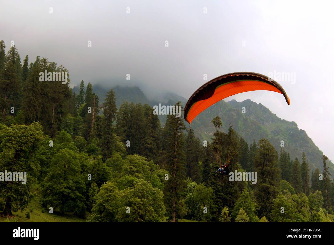 Paragliding at Solang Valley, Manali, Himachal Pradesh, India - Stock Image