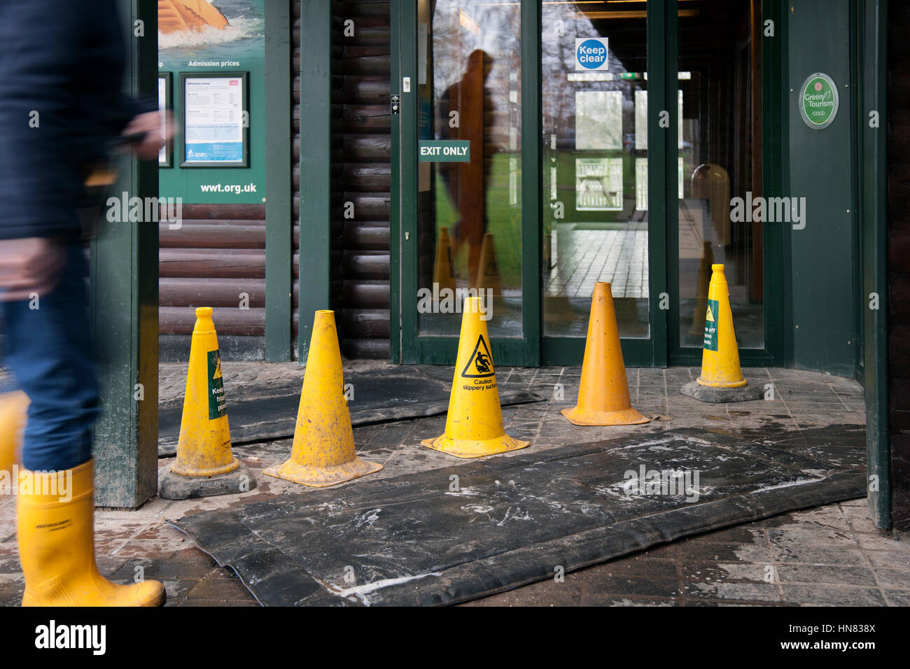 Burscough, Lancashire, UK.   Restrictions after Avian Flu discovered in Martin Mere. Bird flu has been detected - Stock Image