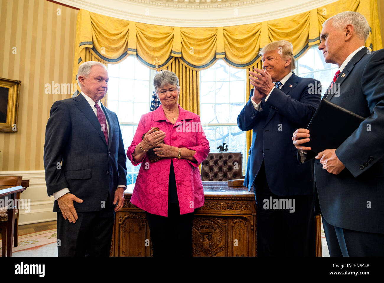 Trump Oval Office Pictures Attorney General Jeff Sessions L Smiles While Sessions