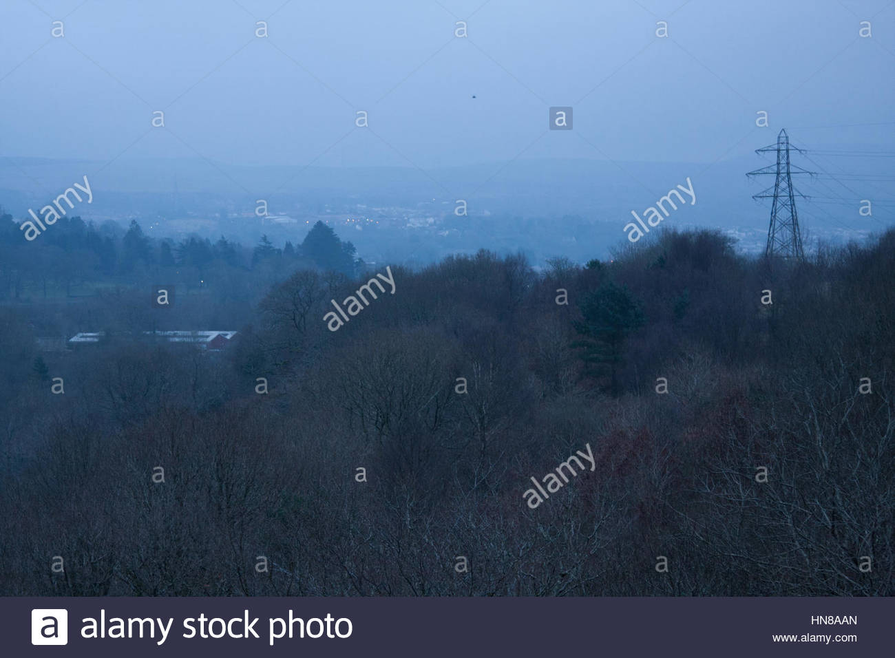 Merthyr Tydfil, South Wales, UK. 10th Feb, 2017. UK Weather. A foggy start to the morning after a night of freezing - Stock Image