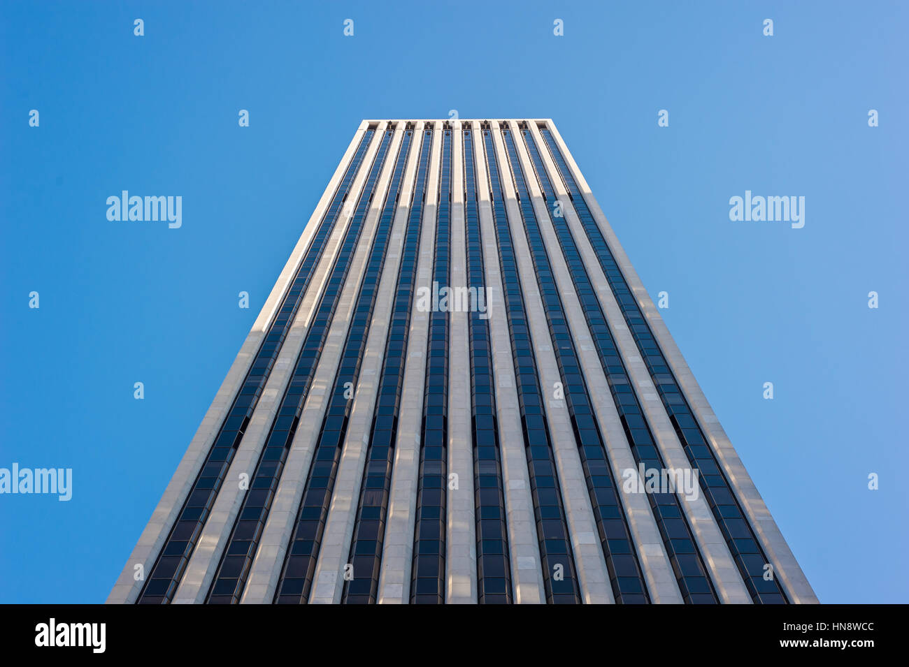 General Motors building and Apple Store on Fifth Avenue, New York Stock Photo