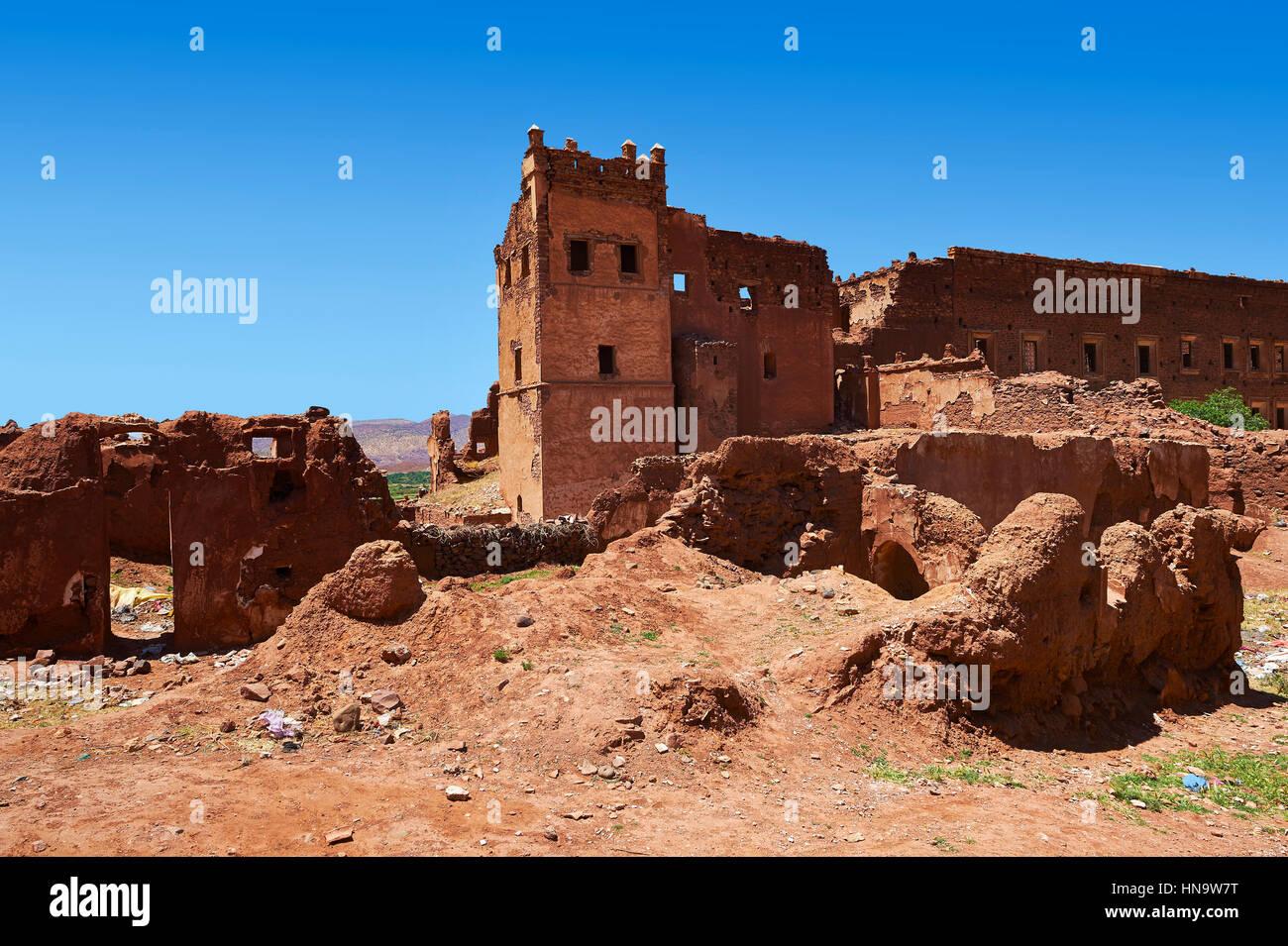 Exterior of the mud brick Berber Kasbah Telouet, Atlas Mountains Morocco - Stock Image