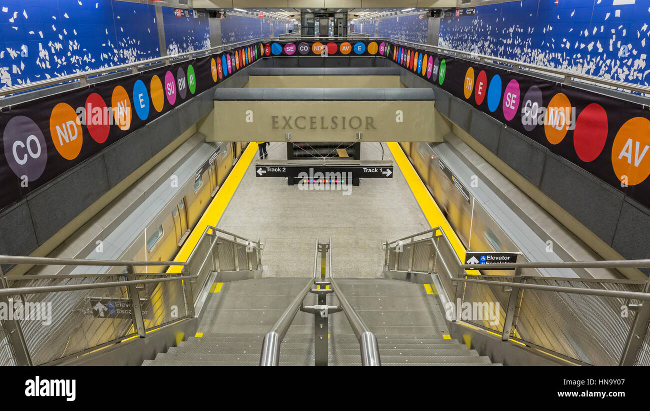 February 5, 2017: A train arriving at the new 96th Street Q Train platform on the Second Avenue Subway line, New - Stock Image