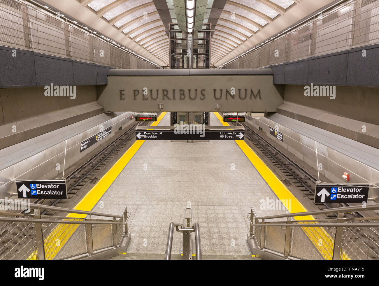 February 5, 2017: A staircase down to the new 86th Street Q Train platform on the Second Avenue Subway line, New - Stock Image