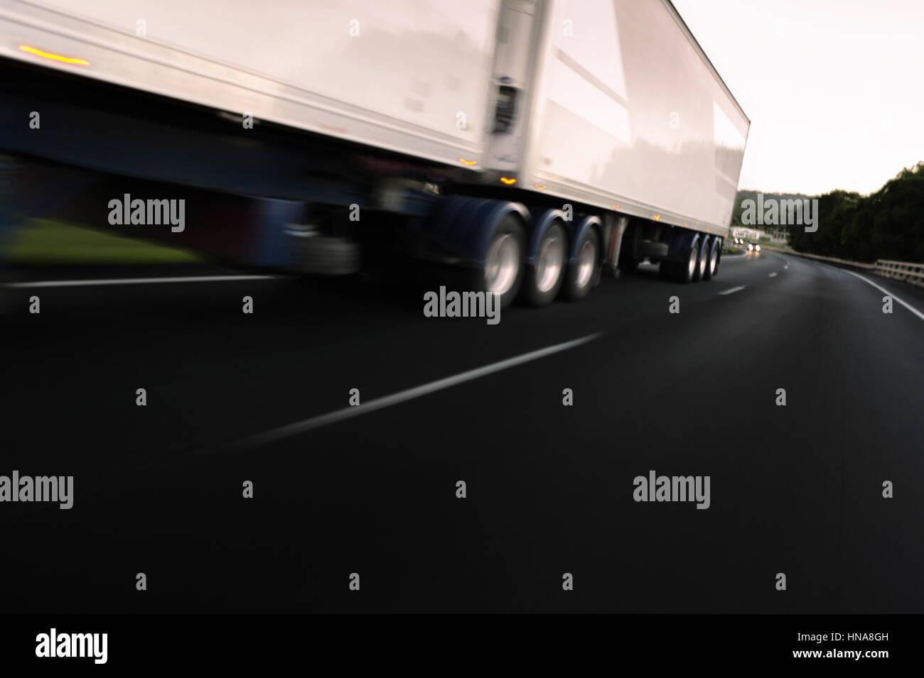 Semi Trailer Stock Photos Amp Semi Trailer Stock Images Alamy