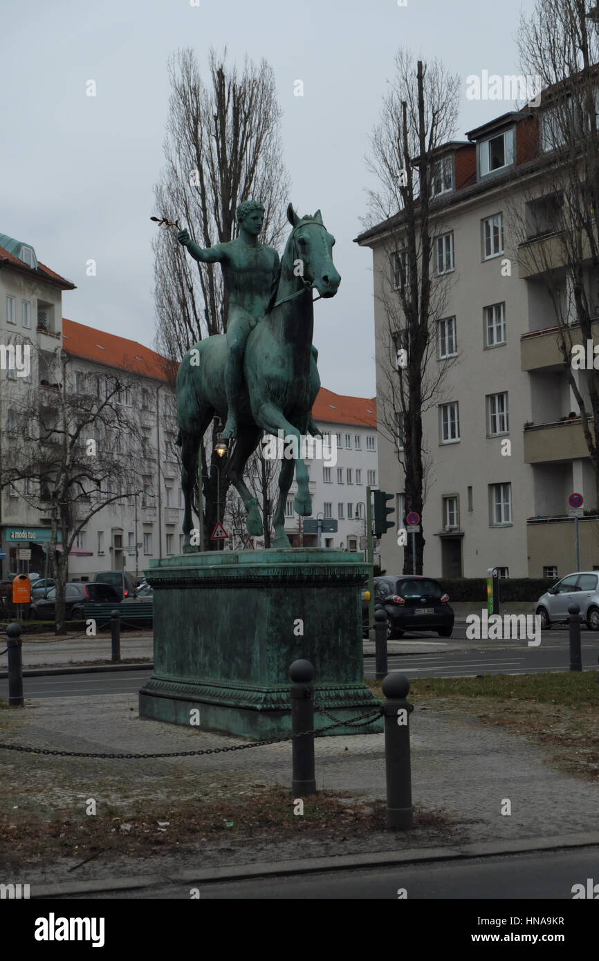 'Der Sieger', 1902 equestrian statue by Louis Tuaillon, orginally locatied in Wannssee, now found in SteubenPlatz, - Stock Image