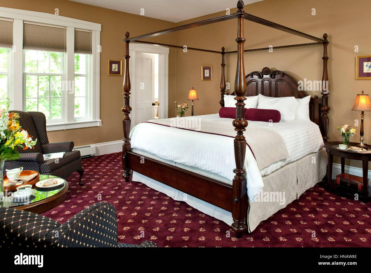 Guestroom in Cape Cod Inn with Canopy Bed, Captains Manor Inn, Falmouth, MA. - Stock Image