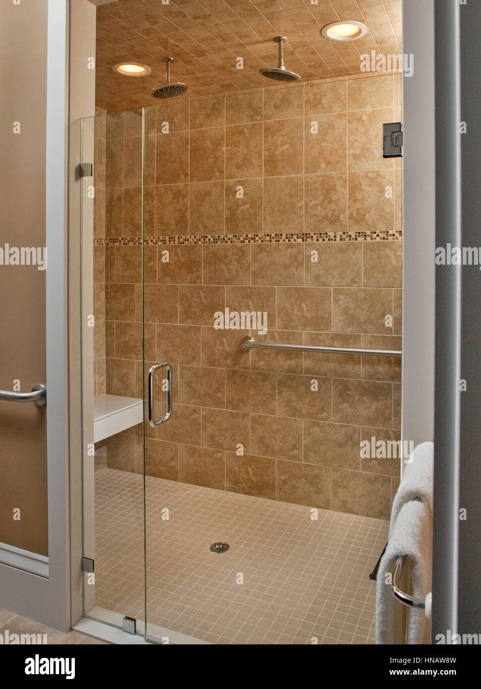 Handicap Shower Stock Photos & Handicap Shower Stock Images - Alamy