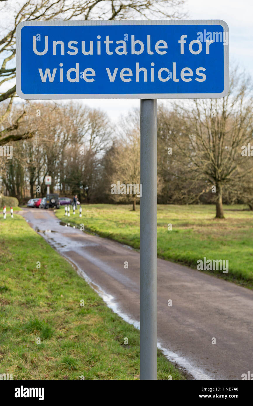 Road Sign showing that the road ahead is unsuitable for wide vehicles - Stock Image