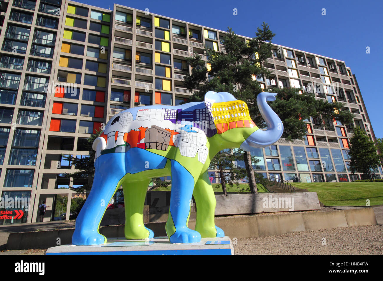 Sheffield artist Alan Pennington's 'Our City' elephant;  outside Park Hill flat's as part of 'Herd of Sheffield' Stock Photo