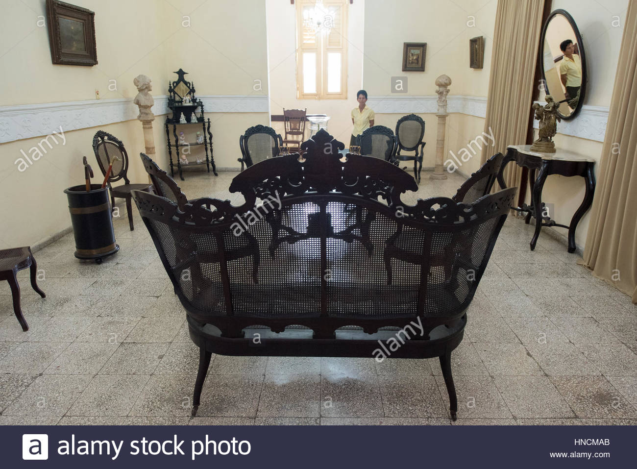 Spanish colonial living room furniture. Cuban conservation of old ...