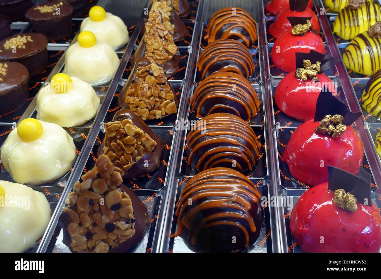 Cakes in pasteleria in Santa Cruz de Tenerife, Canary Islands, Spain - Stock Image