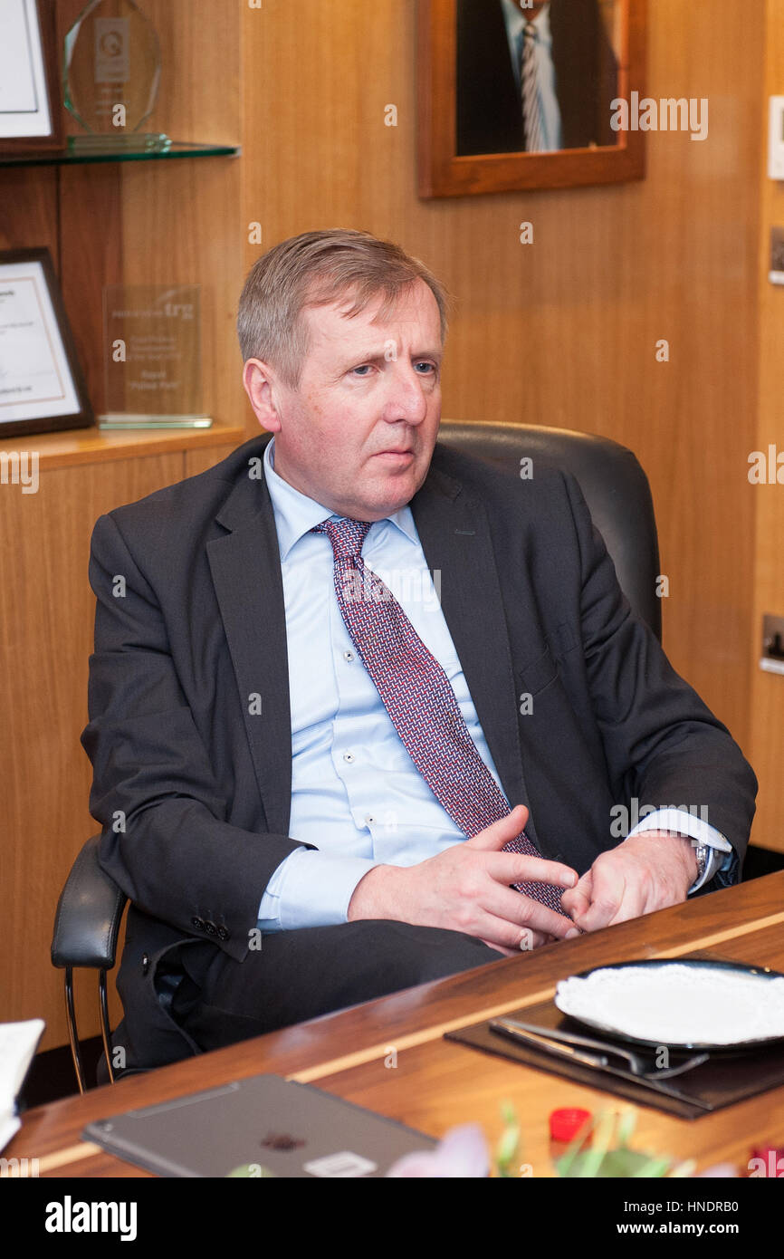 Minister of Agriculture Michael Creed TD visiting the Kepak Watergrasshill plant - David Clynch Photography - Stock Image