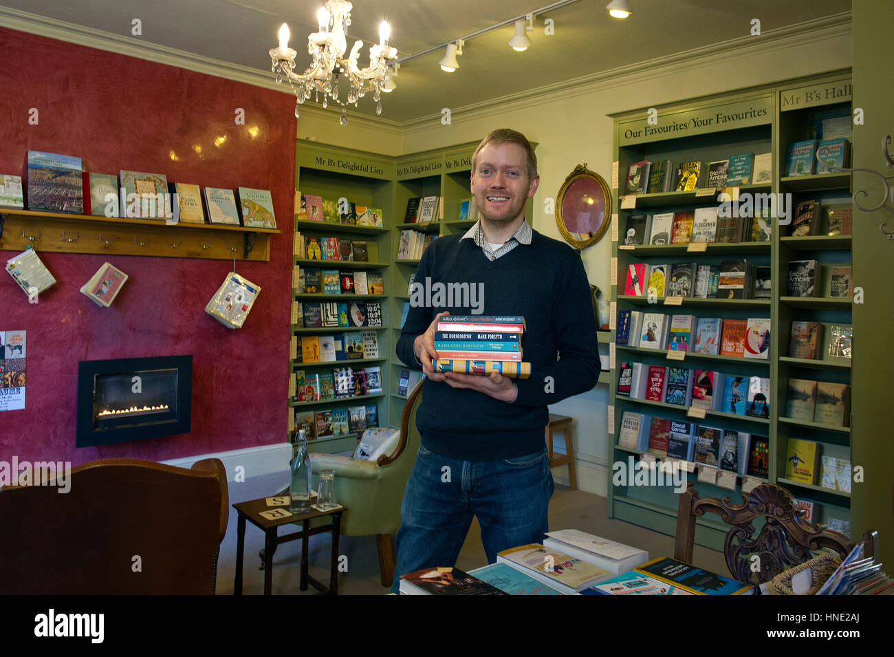 Mr.B's Emporium of Reading Delights, Bath with owner Nic Bottomley and Amy Coles (left) and Betsy Byers. - Stock Image