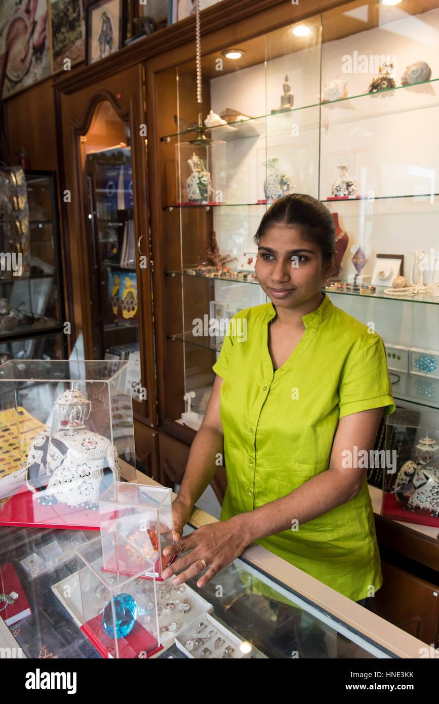 Gemstone jewellery shop, Ratnapura, Sri Lanka - Stock Image