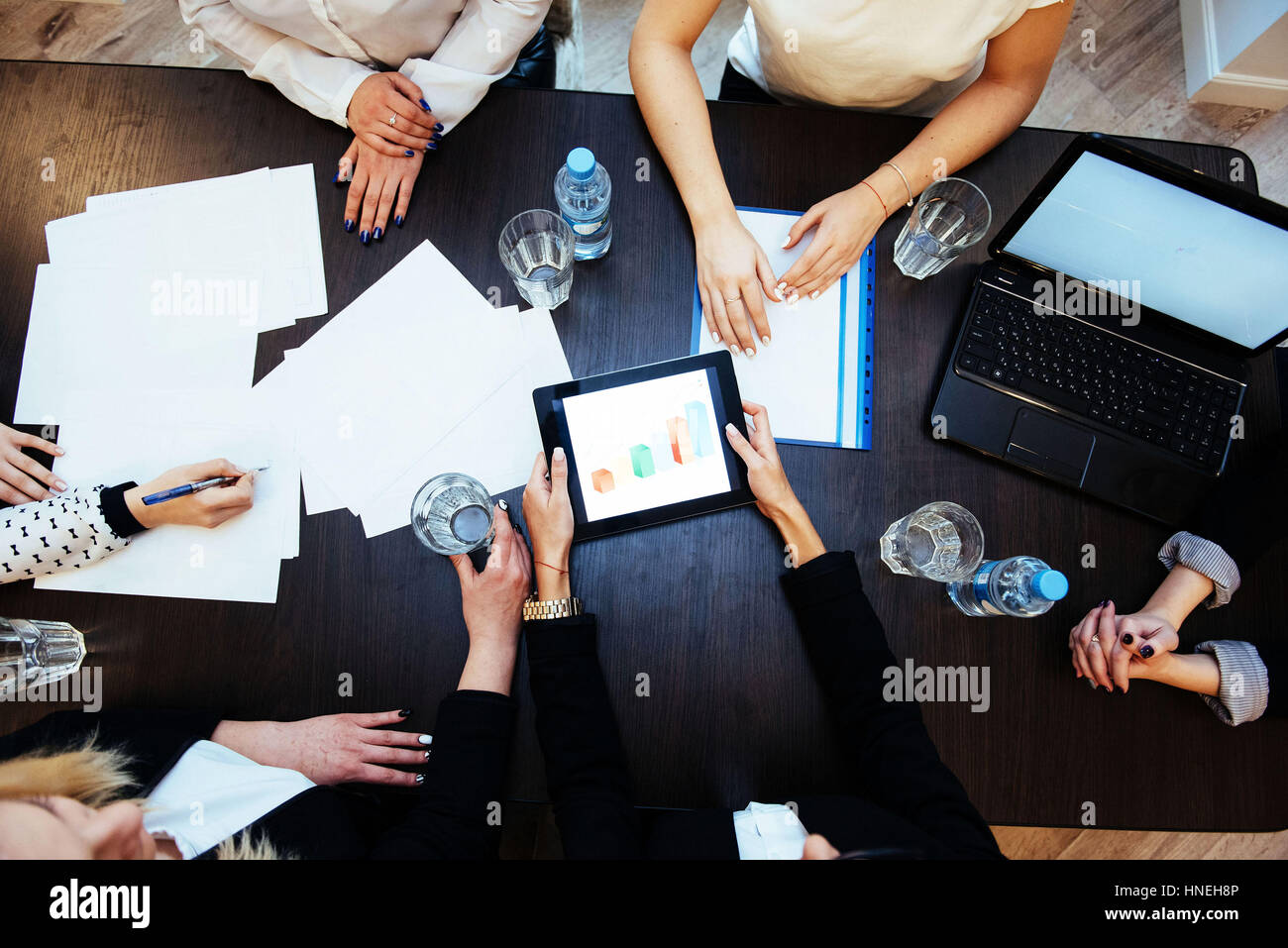 Using the computer digital students during the task - Stock Image