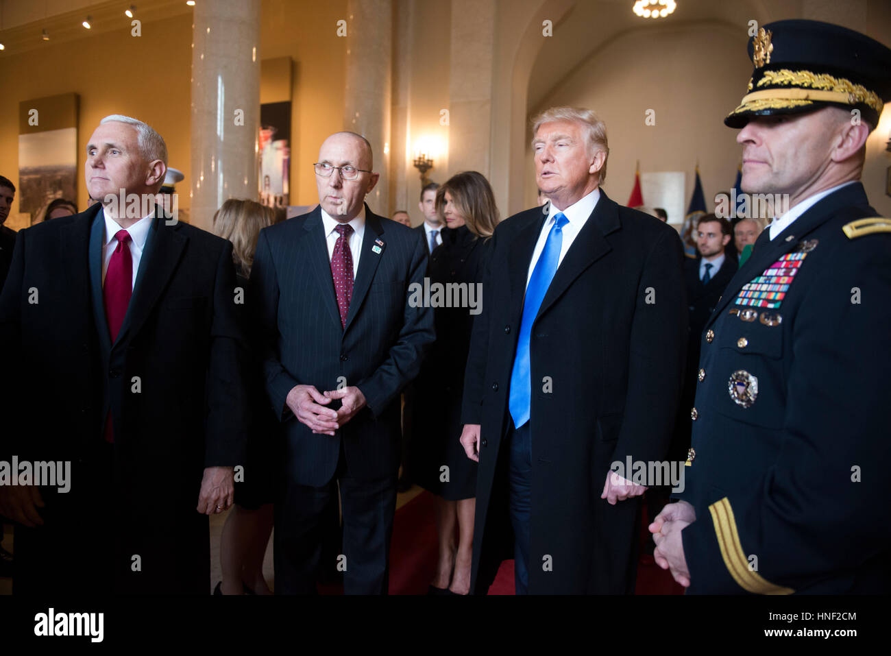 President-elect Donald Trump and Vice President-elect Mike Pence are briefed by Army Chief of Ceremonies Gary Davis - Stock Image