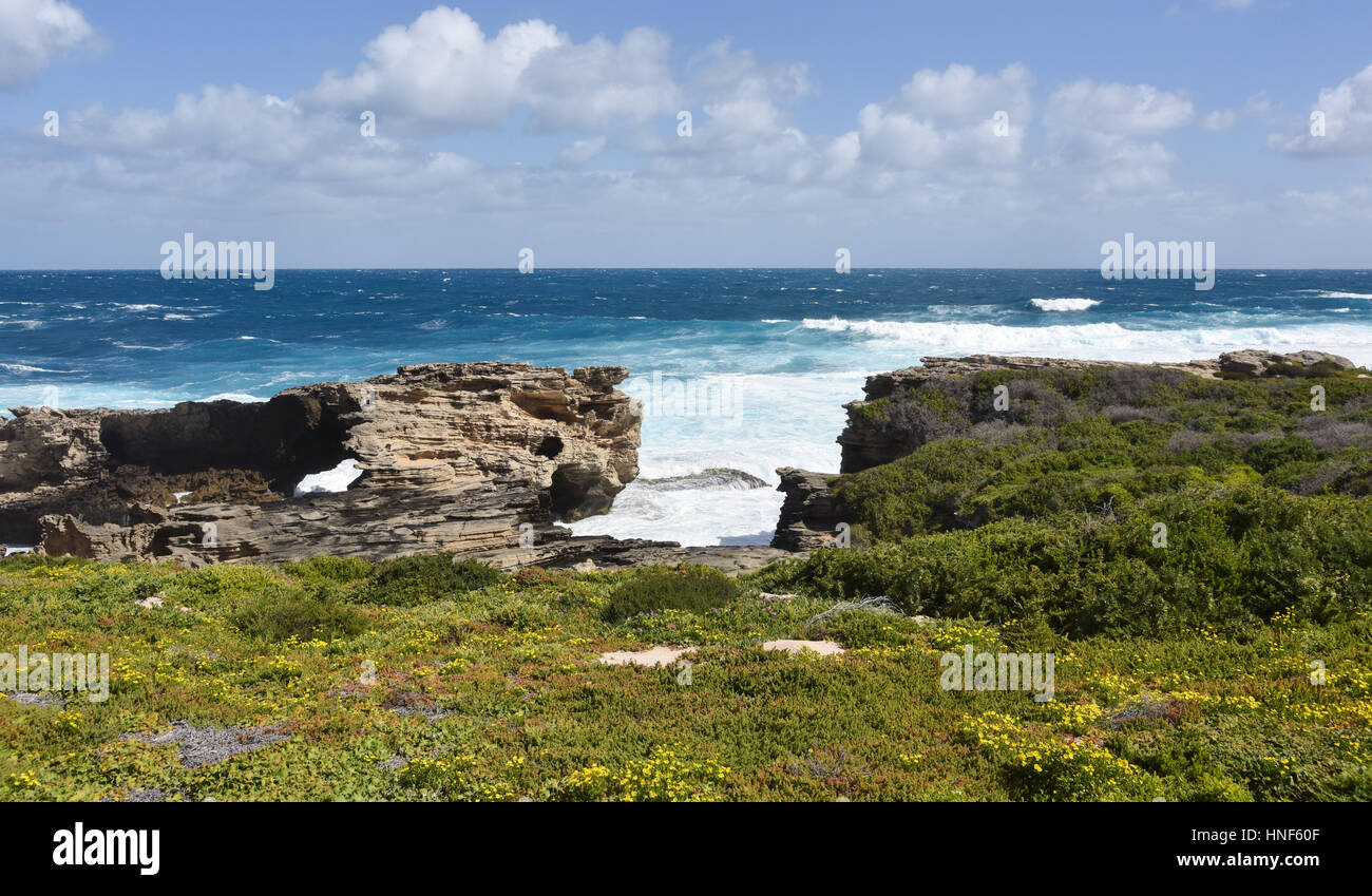 Cape Vlamingh coast with limestone rock formations and the Indian Ocean seascape at Rottnest Island in Western Australia. - Stock Image