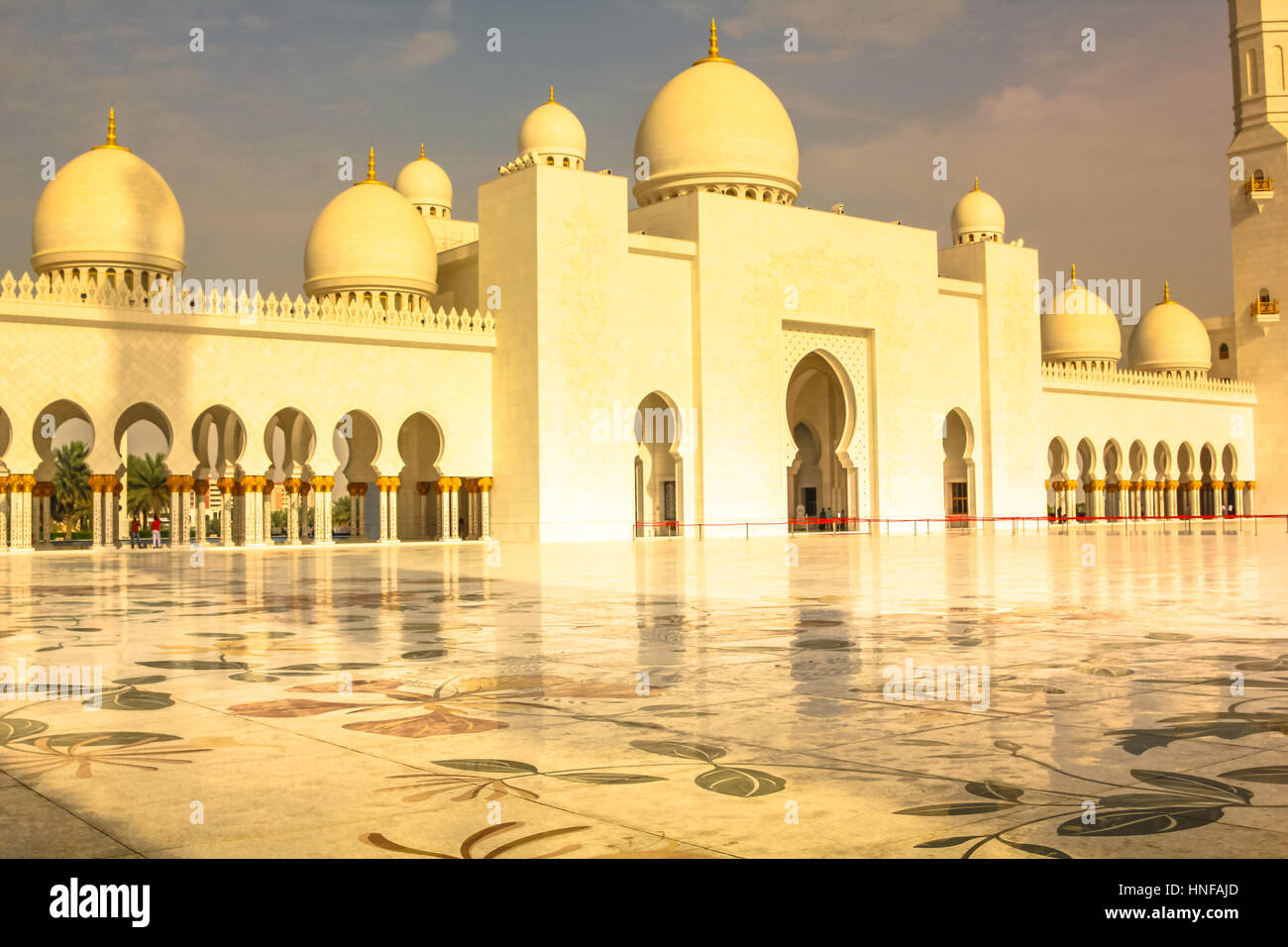 Exterior: Scenic View At Sunset Of Sheikh Zayed Grand Mosque In Abu