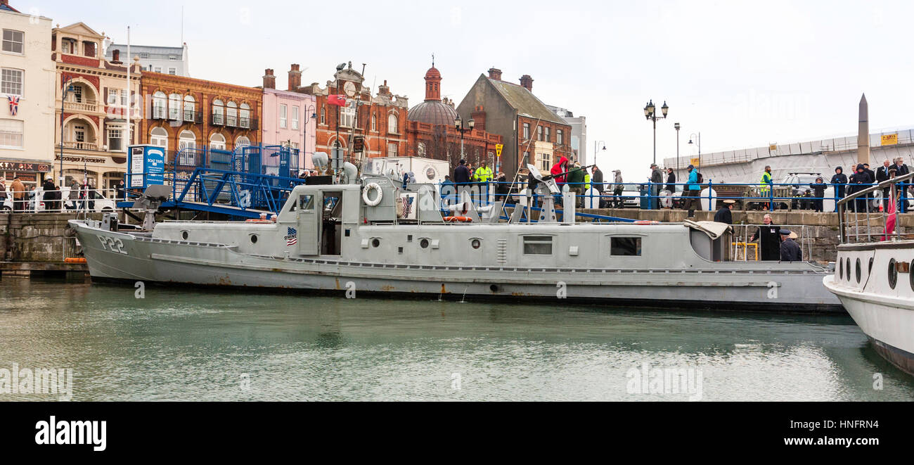 England, Ramsgate harbour. Restored American patrol boat, p22, with various dignitaries on board during the 75th Stock Photo