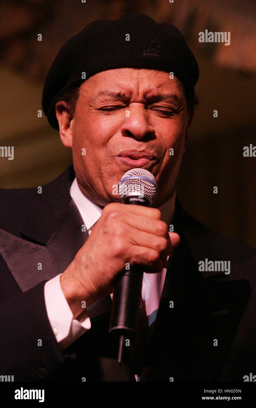 File. 12th Feb, 2017. ALWIN LOPEZ 'AL' JARREAU (March 12, 1940 - February 12, 2017) was an American jazz singer. Stock Photo