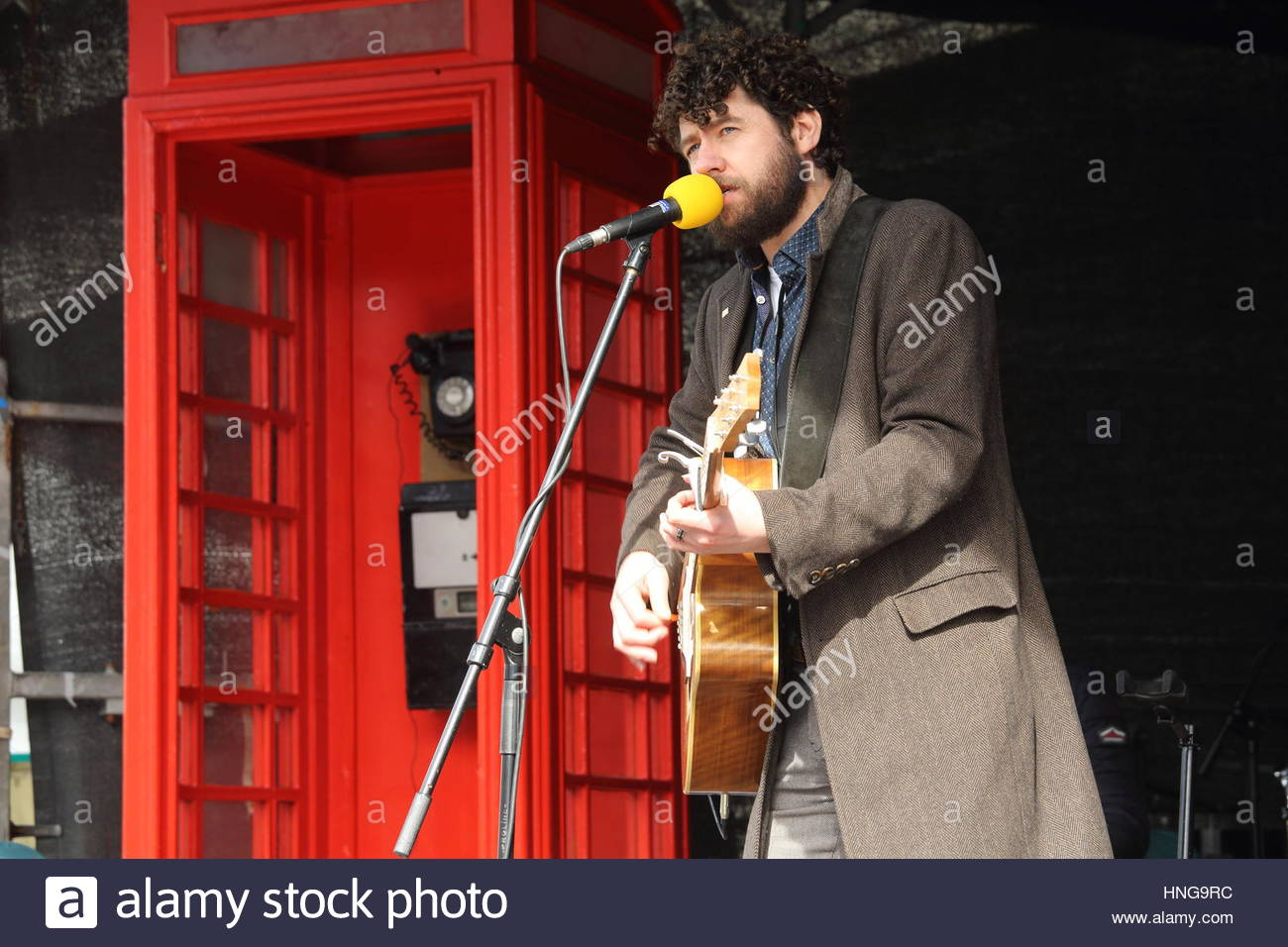 Singer songwriter Declan o Rourke plays for an audience in Dublin on Easter Monday, 2016 Stock Photo
