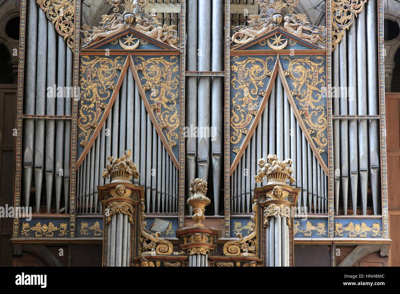 The gallery organ. Amiens Cathedral. L'orgue de tribune. Cathédrale Notre-Dame d'Amiens. - Stock Image
