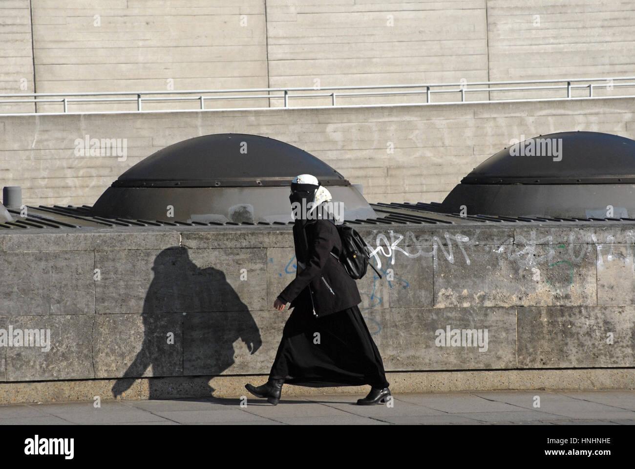 Niqab London Stock Photos & Niqab London Stock Images - Alamy