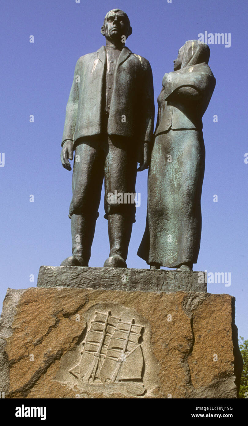 EMIGRANT MONUMENT Karlshamn Blekinge.During 19th and early 20th centuries abaout 1,3 milion Swedes left for USA.Many - Stock Image