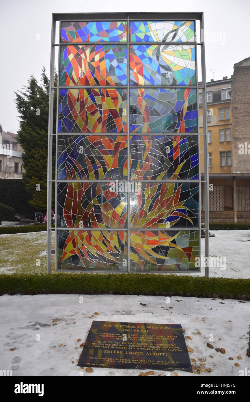Budapest Grand Synagogue, Budapest, Hungary. Raoul Wallenberg stained glass in the Holocaust Memorial Park - Stock Image