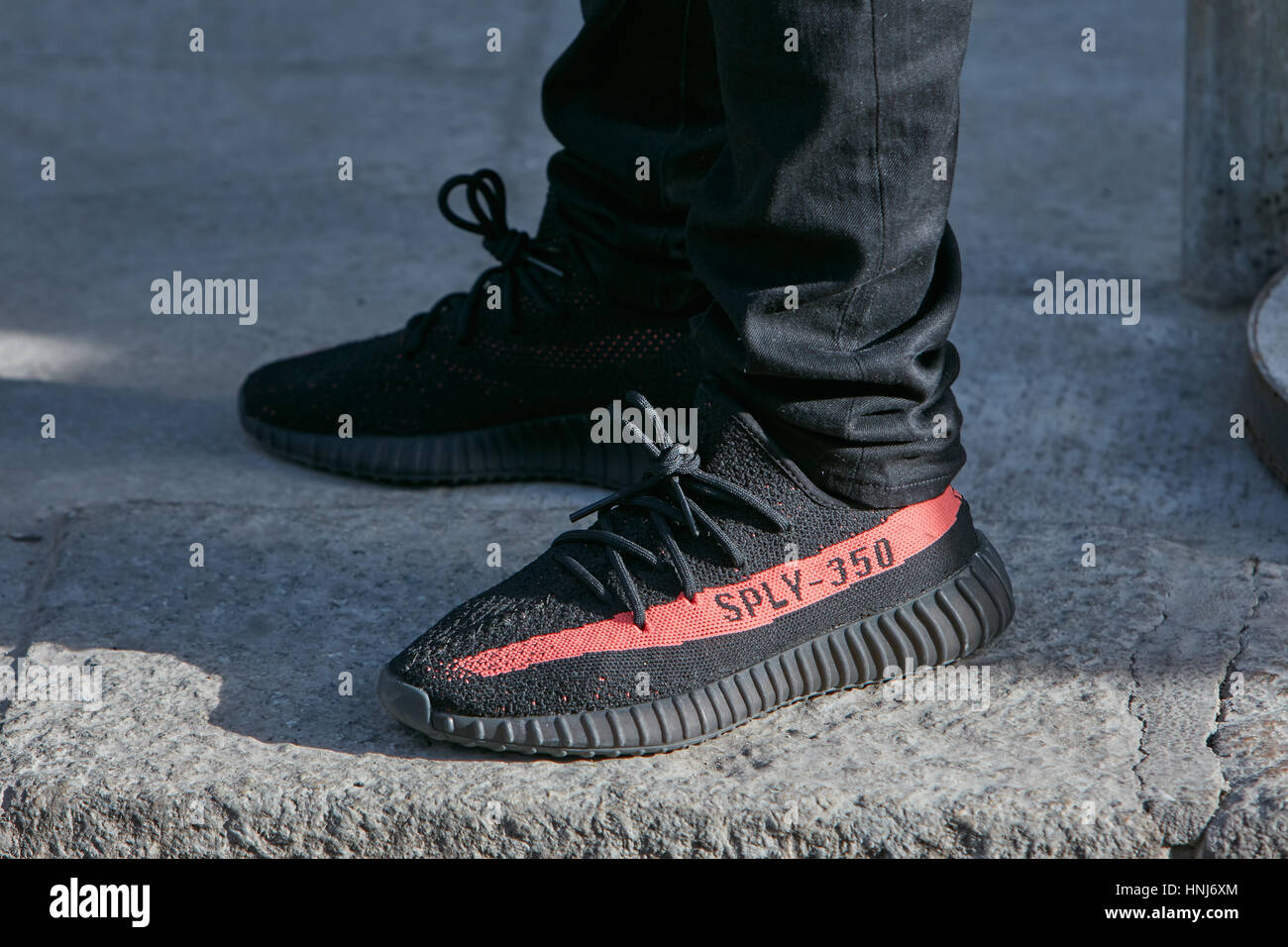rote yeezy schuhe