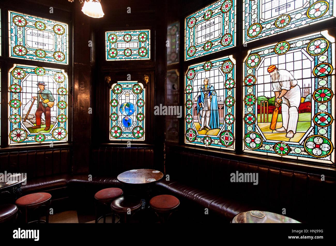 Pub Glass Window Stock Photos Amp Pub Glass Window Stock