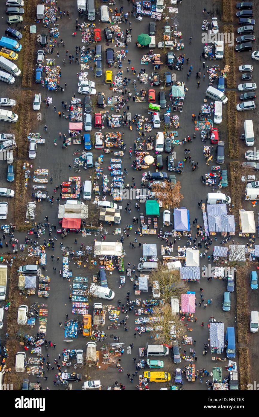 Flea Market at the Arena Auf Schalke, stalls, traders stalls, Gelsenkirchen-Buer, Ruhr Area, North Rhine-Westphalia, - Stock Image